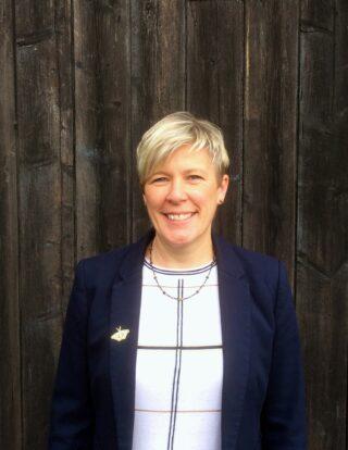 https://www.learningtoshapebirmingham.co.uk/wp-content/uploads/2020/09/Jayne-Welsh-320x414.jpg