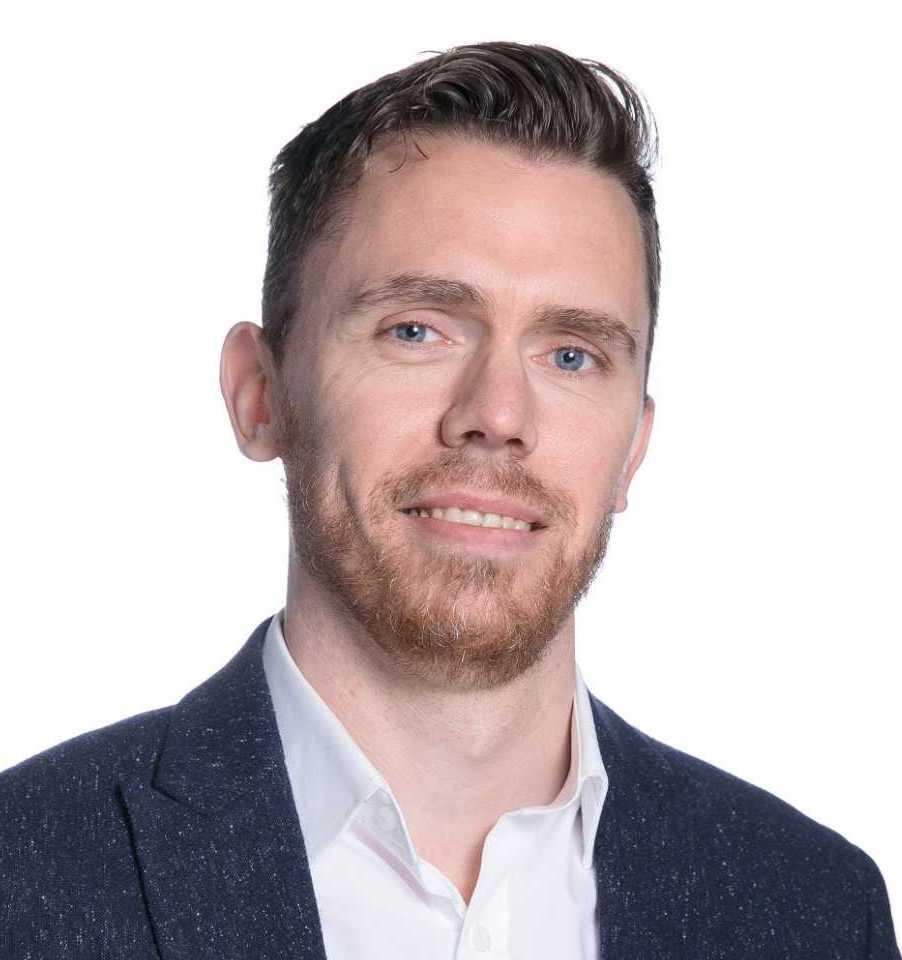 https://www.learningtoshapebirmingham.co.uk/wp-content/uploads/2020/09/Karl-Kitching-UCC-Profile-Pic-002.jpeg